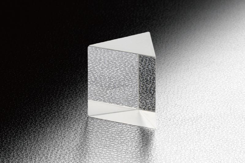 Brewster Dispersing Littrow Prism